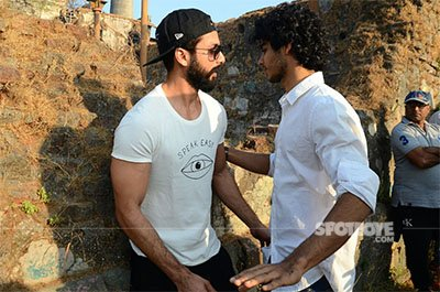 shahid kapoor with brother ishaan khatter on the sets of ishaans debut film
