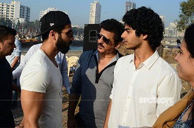 shahid ishaan and rajesh khatter on the sets of ishaans debut film