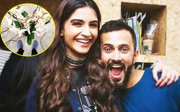 WOW! Sonam Kapoor Announces Her Love For Anand Ahuja With Flowers