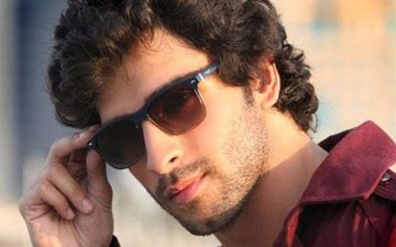 Girish Kumar Discloses His Marital Status After HIDING It For a year!