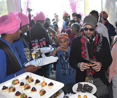 nitin mukesh arrives in udaipur