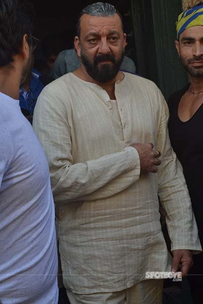 sanjay dutt with his bodyguard