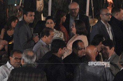 karisma kapoor and sandeep toshniwal with babita mingling around at randhir kapoors 70th birthday bash 2