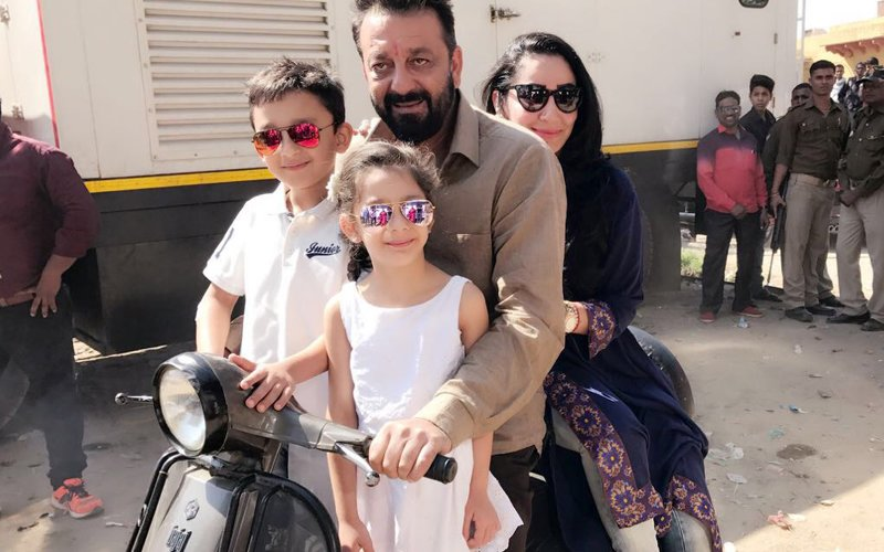 Maanayata & Kids Spend Quality Time With Sanjay In Agra