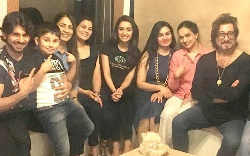 Shraddha Enjoys With Family Before Flying Out Of Mumbai For Her Birthday