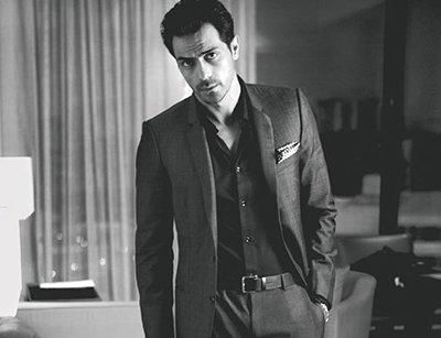 arjun rampal sexy looking