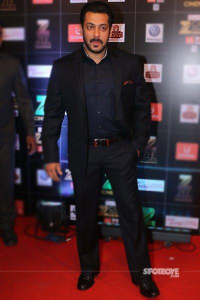 salman khan at zee cine awards red carpet