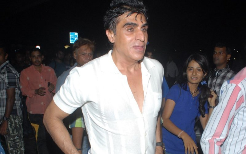 Chennai Express Producer Karim Morani's Anticipatory Bail Cancelled, Asked To Surrender