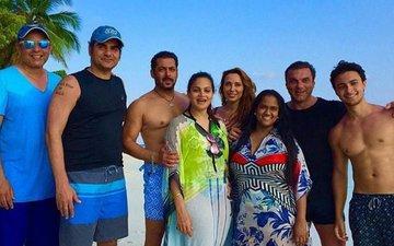 Salman Khan Looks Refreshed As He Poses With Iulia Vantur At The Beach