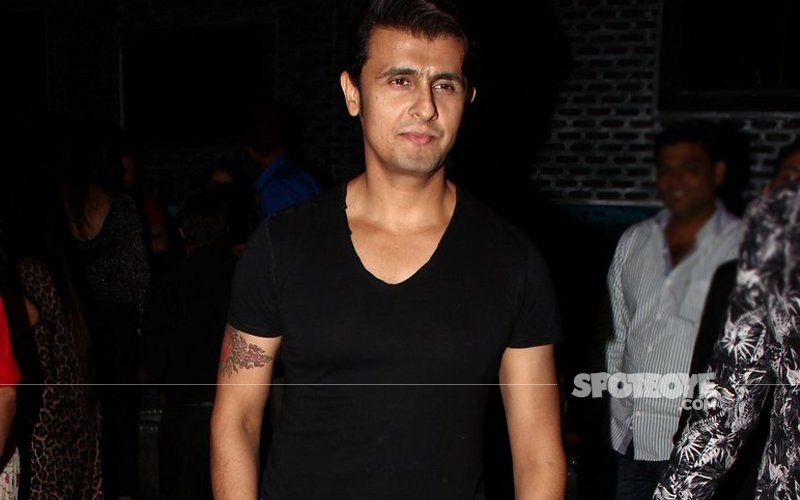 Sonu Nigam Tweets Against Azaan, Calls It 'Forced Religiousness', Gets Trolled