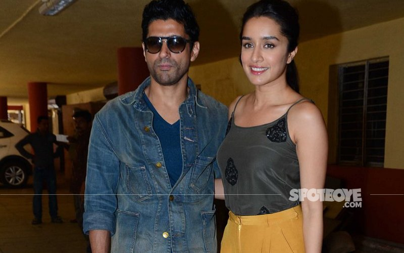 Shraddha Kapoor and Farhan Akhtar rocking on Red FM