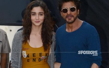Alia Bhatt And Shah Rukh Khan Promote Dear Zindagi In A Full Fledged Way!