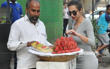 SPOTTED: Malaika Arora Goes Fruit Shopping, Street Vendor Enjoys A Fan Moment!