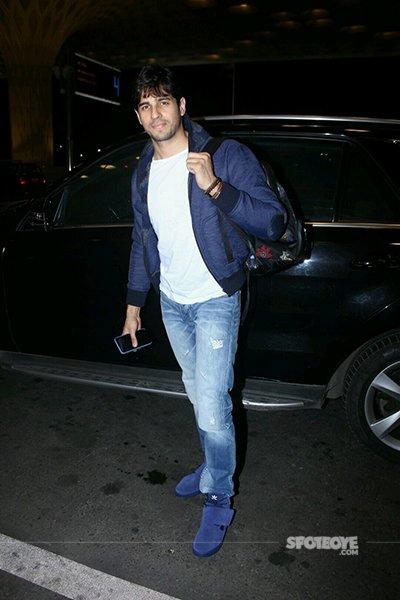 Sidharth Malhotra at Airport.jpg