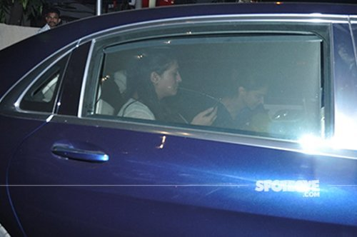 Deepika_padukone_spotted_while_exiting_with_a_friend_at_a_doctor's_clinic.jpg