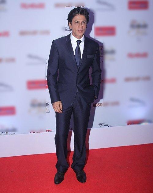 shah rukh khan at fashion awards night