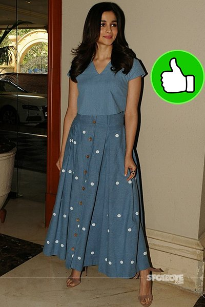 alia bhatt looks cute in this denim dress at the iifa voting day