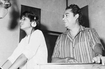 amit_kumar_with_his_father_during_younger_days_kishore_kumar_legendary_singer_.jpg