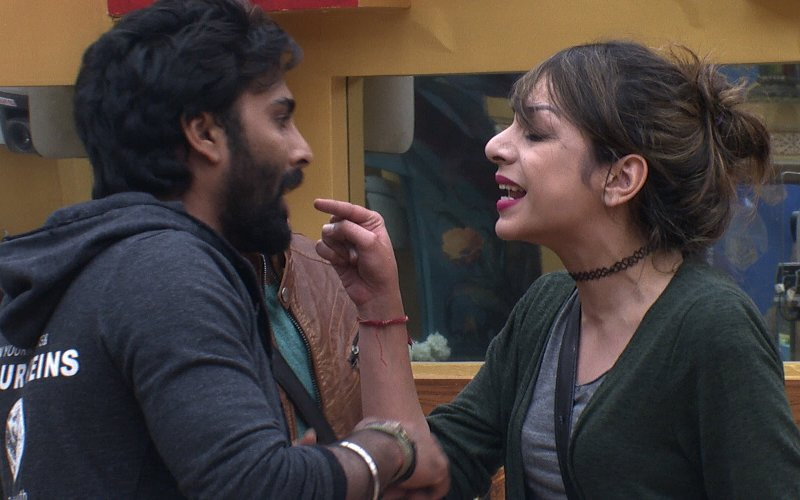 Bigg Boss 10, Day 85: Friendship Turns Sour - Manveer & Nitibha Get Into An UGLY Spat!