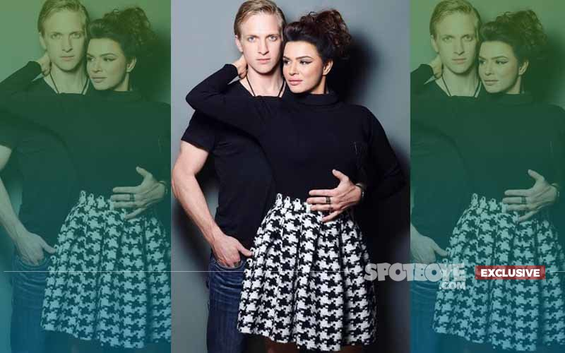 Why Was Aashka Goradia's Fiance Missing From The Nach Baliye 8 Rehearsals?