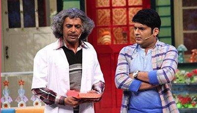 kapil sharma and dr gulati aka sunil grover on the kapil sharma show
