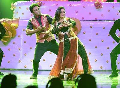 utkarsha and manoj verma love filled performance during their grand premiere performance nach baliye 8