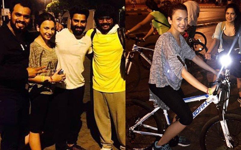 Bigg Boss Couple Manveer Gurjar & Nitibha Kaul's Night Out On A Bicycle