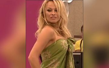 Baywatch Star And Bigg Boss 4 Contestant Pamela Anderson To Sell Her Malibu House For A Staggering Amount Of Rs 100 Crore?