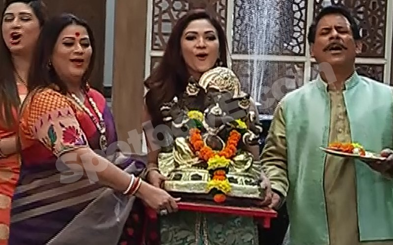 TV SPOILER: The Kant Family Bids Adieu To Lord Ganesha