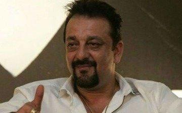 Sanjay Dutt turns poet in jail
