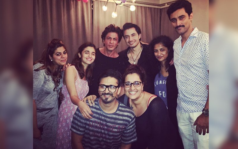 Shah Rukh-Alia party with Dear Zindagi team