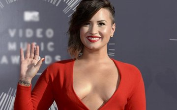 Demi Lovato's accident scares fans