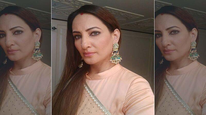 Rakshanda Khan Reveals She Was Asked To Get A Nose Job Done