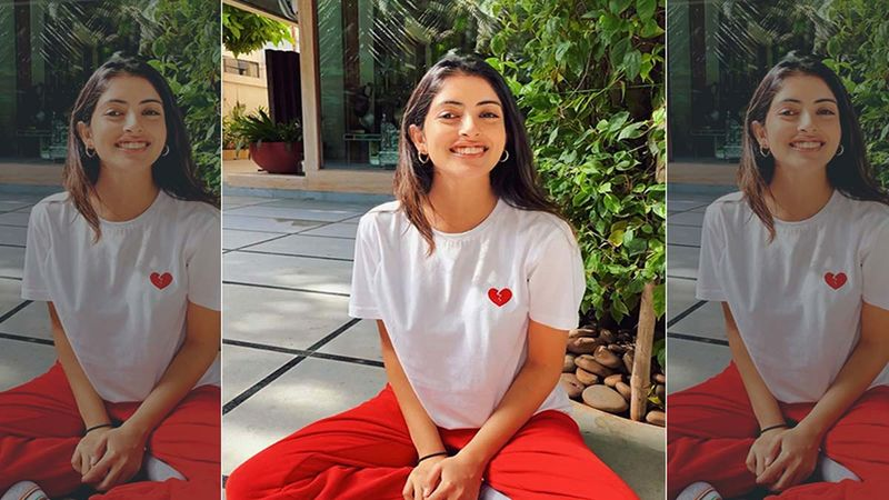 Navya Naveli Nanda Plays A Tune On Her Piano And Asks Fans To Guess Which Song It Is