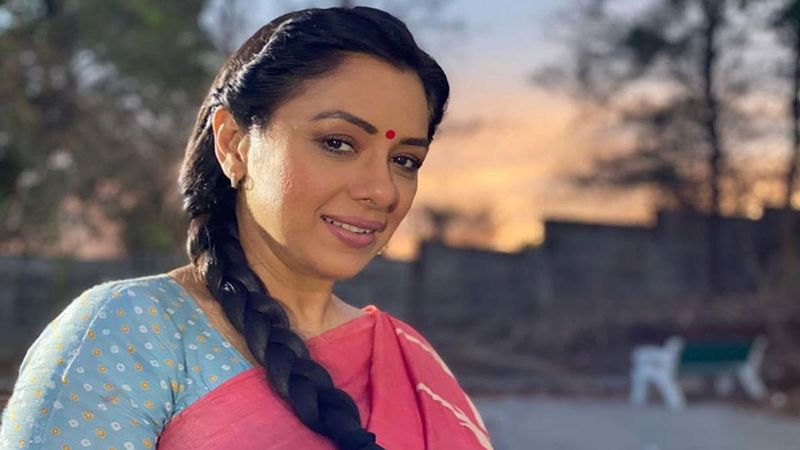 Anupamaa Spoiler Alert: Rupali Ganguly's Character To Suffer A Panic Attack After Being Duped By A Loan Shark