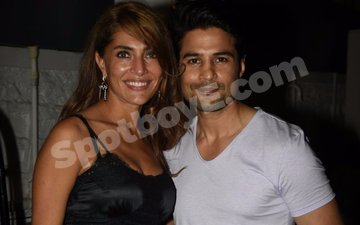 Rajeev Khandelwal parties with Bond girl Caterina Murino