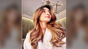 Kasautii Zindagii Kay 2: Erica Fernandes's All-White Look Is A Total Winner