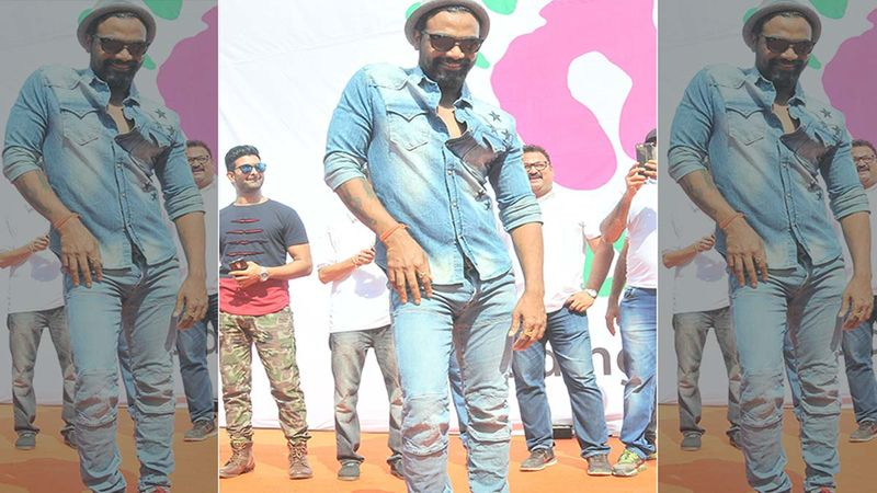 Remo D' Souza Dances With His Team Of Doctors On Muqabla From Street Dancer 3D, Joy On His Face Is Unmissable