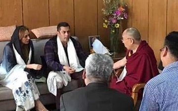 VIDEO: Guess what Salman & Iulia are up to in Leh!