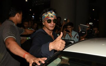 SRK Returns From London Not Bulgaria After Dilwale