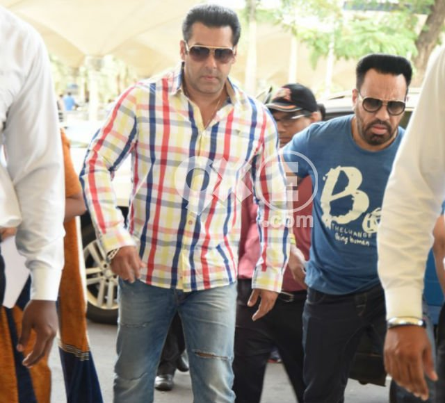 Salman-Kareena head to Delhi for Bajrangi Bhaijaan promotions