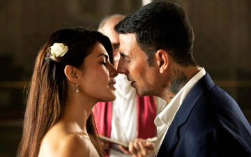 You've Got To See How Akshay Woos Jacqueline