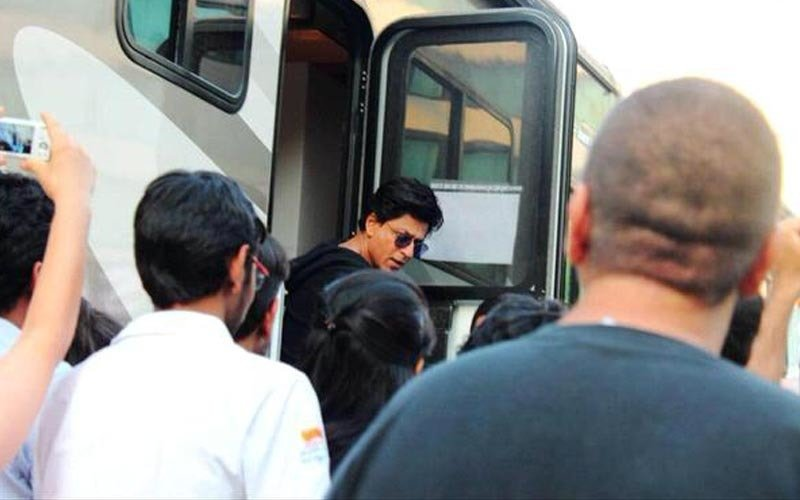 Shah Rukh Khan Risks It For Dilwale