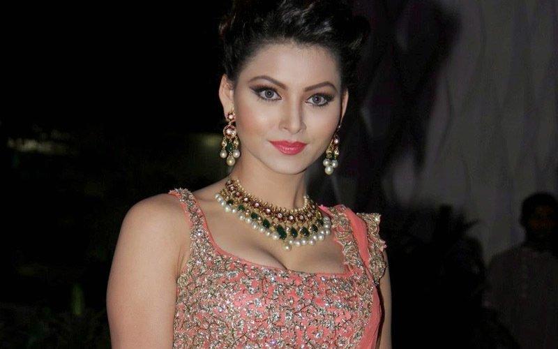 Great Grand Masti Actress Urvashi Rautela Detained At Mumbai Airport