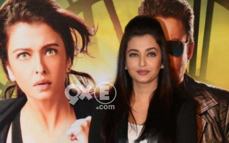 Watch Aishwarya Rai Bachchan's Awkward Moment At Jazbaa Trailer Launch