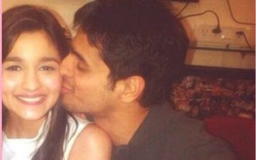 Caught! Sidharth Malhotra Kissing Alia!