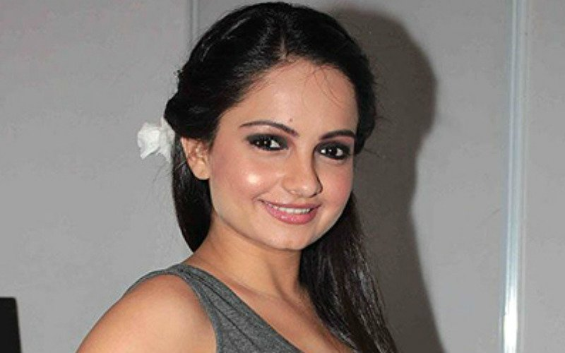 Hot Buzz: TV Channels Blacklist Giaa Manek