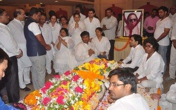 B-Town Bids An Emotional Farewell To Ravindra Jain