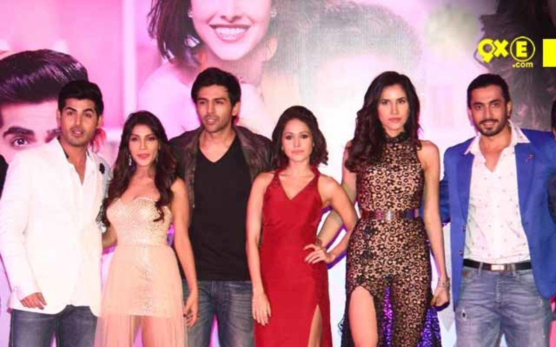 Team 'Pyaar Ka Punchnama 2' Party Together At Their Success Bash