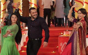 Salman And Sonam Celebrate Diwali With Swaragini At Sasural Simar Ka